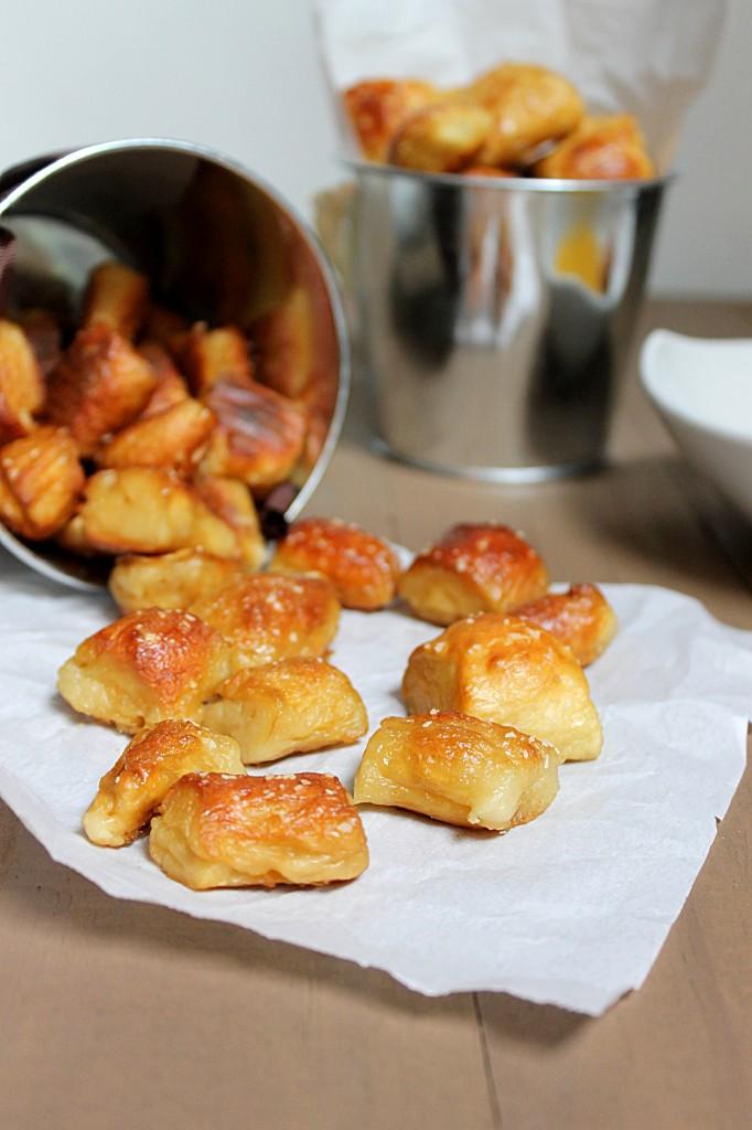 Soft Pretzel Bites - Fabtastic Eats