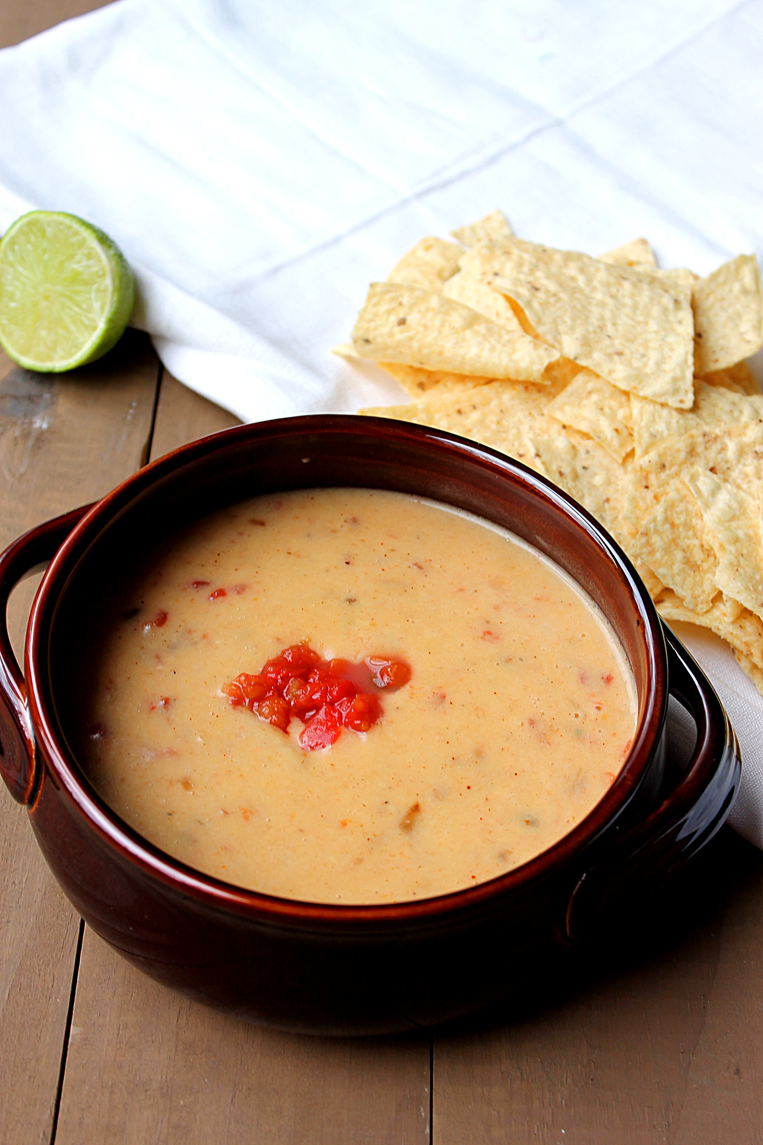 Spicy Cheese Dip via Fabtastic Eats #cheese #dip #spicy